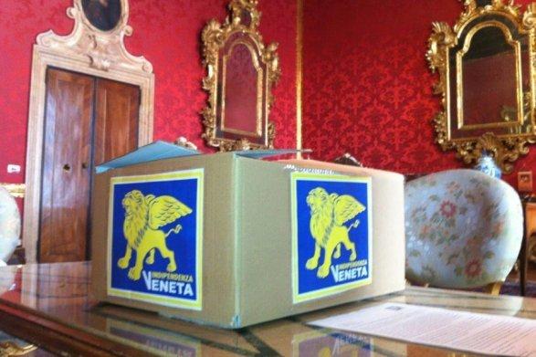 LA REPUBBLICA VENETA, THE VENETIAN REPUBLIC, A REPUBLEGA VENETA