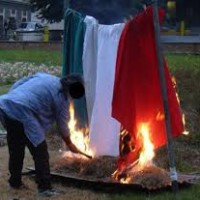 BANDIERA ITALIANA: NAZISMO, GRILLISMO, FASCISMO, VATICANISMO